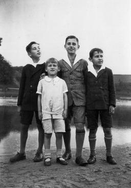 Siegfried, Wolfgang, Wilhelm und Karl Heinz Kusserow, 1930. Freundlicherweise zur Verfügung gestellt von Annegret Kusserow